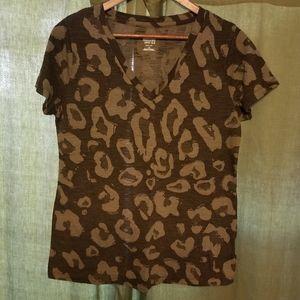 Mossimo v-neck short sleeve shirt